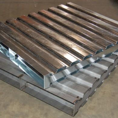 Corrugated Steel Pallets Ref: CM28