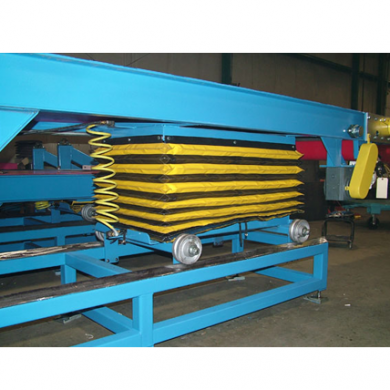 Pneumatic Lift Table on Rollers Ref: CV03